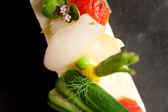 ga%cc%82teau-de-legumes-du-jardin-au-restaurant