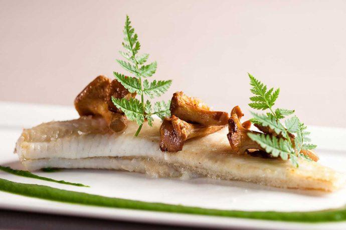 le-rosenmeer-hubert-maetz-solette-de-loctudy-aux-girolles-au-restaurant-gastronomique